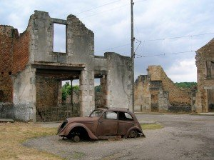 Car_in_Oradour-sur-Glane4